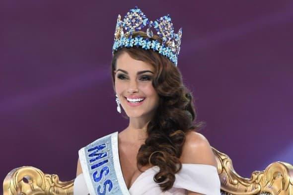 Ponosno nosi krunu (AFP)