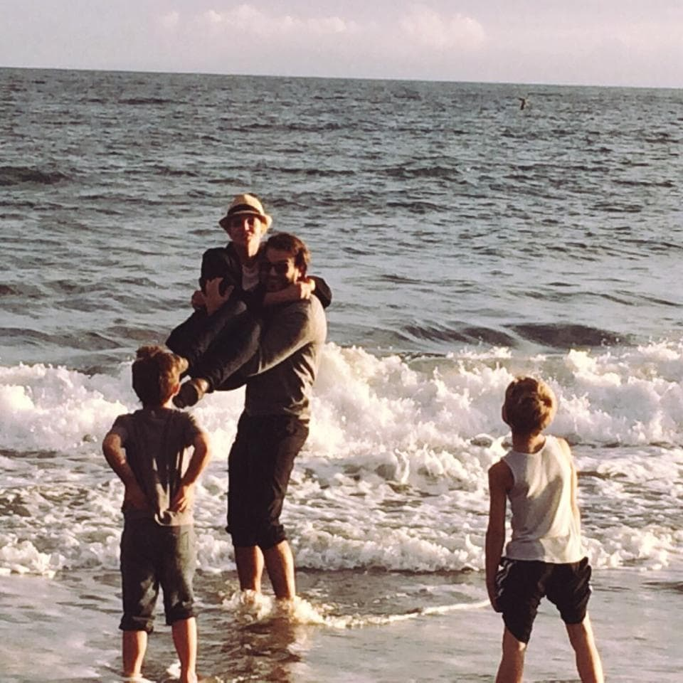 britney-spears-beach