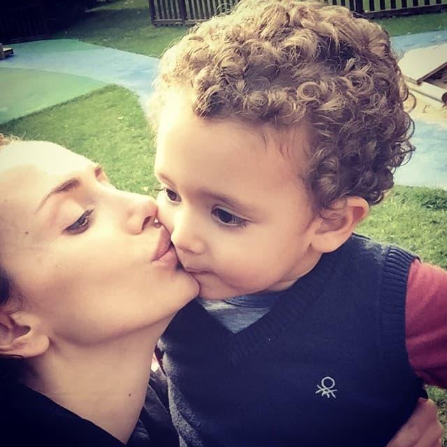 Pevačica nije učila srpski jezik sa mlađim sinom (foto: instagram)