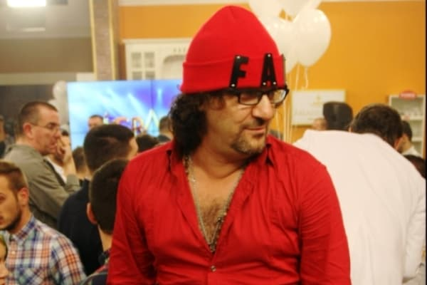 Lukas je stajling upotpunio crvenom kapicom (foto: Alo)
