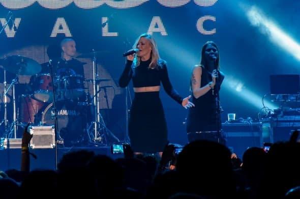 Pevačica se uznemirila zbog tuče, ali je profesionalno odradila nastup (foto: Facebook)