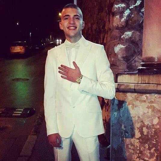 Veljko je proslavio rođendan obučen u belo (foto: Instagram)