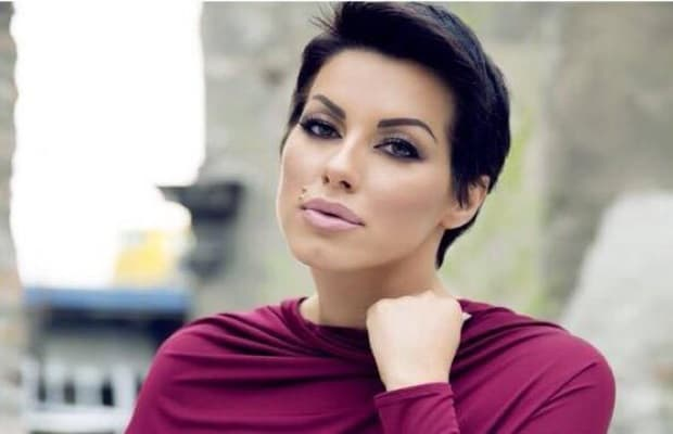 Pevačica tvrdi da njene kolege lažu o svojim honorarima (foto: radiobambi)