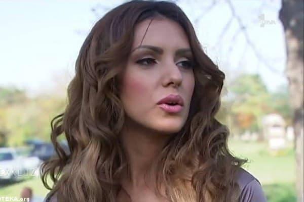 Pevačica tvrdi da se razbolela od pritiska medija i javnosti (foto: folkoteka)