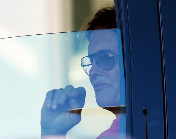 Pored duge kose i noktiju, Bruce usnama želi da liči na ženu (foto: x17)
