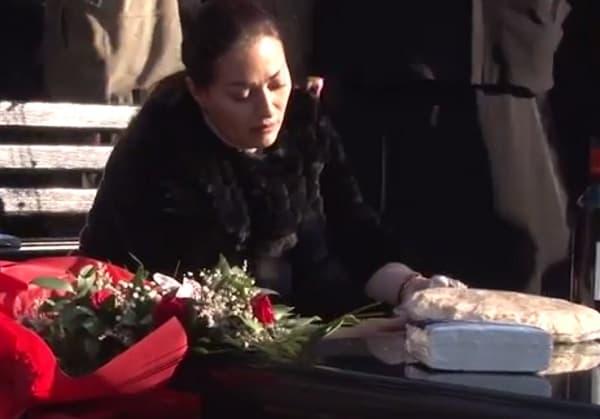 Svetlana na Arkanovom grobu!