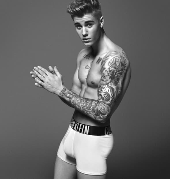 Pokazao mišiće i tetovaže (foto: pr)