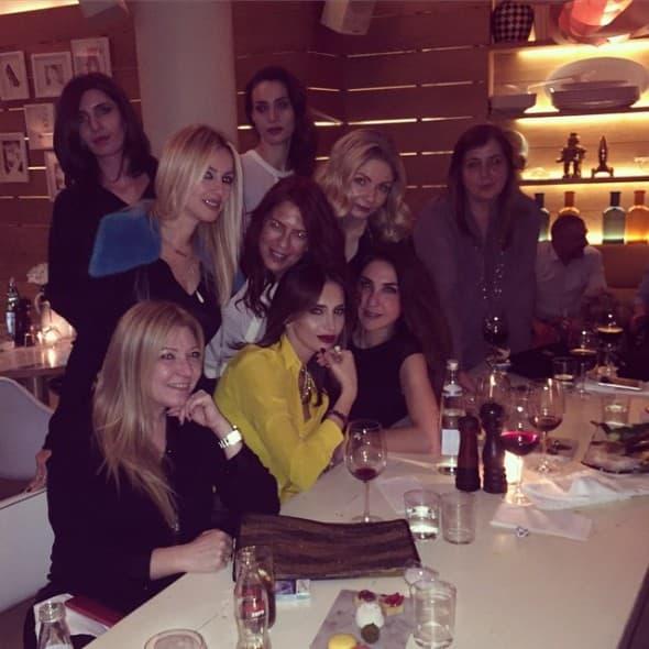 Emina sa prijateljicama (foto: Instagram)