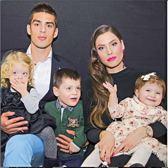 Srećna porodica! (foto: Alo)