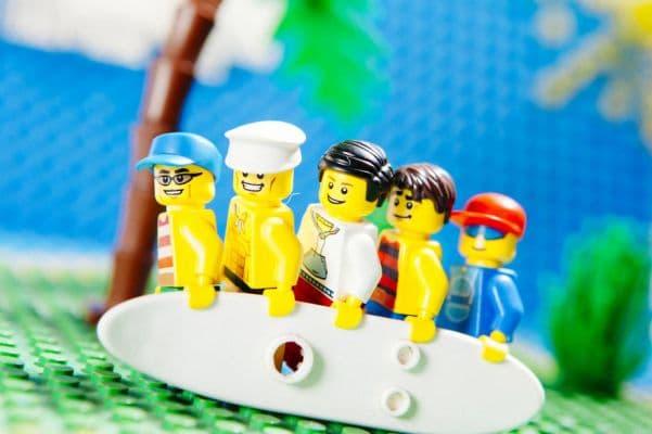 14-Beach-Boys-lego__880