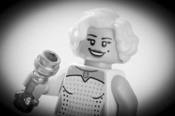 7-Marilyn-Monroe-lego__880
