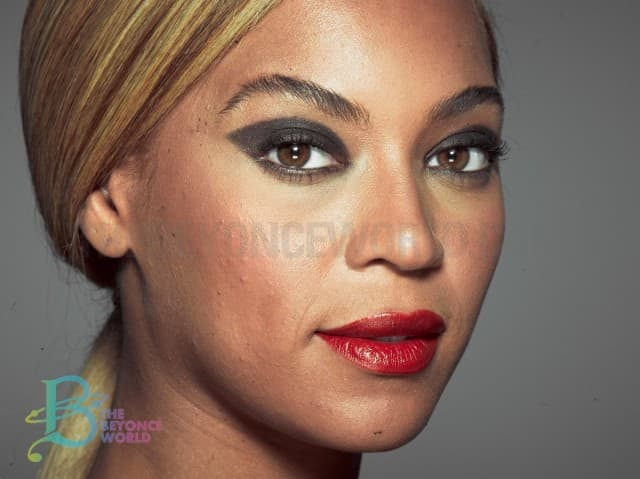 Bow bow down bitches! Crown! (foto: The Beyonce World)
