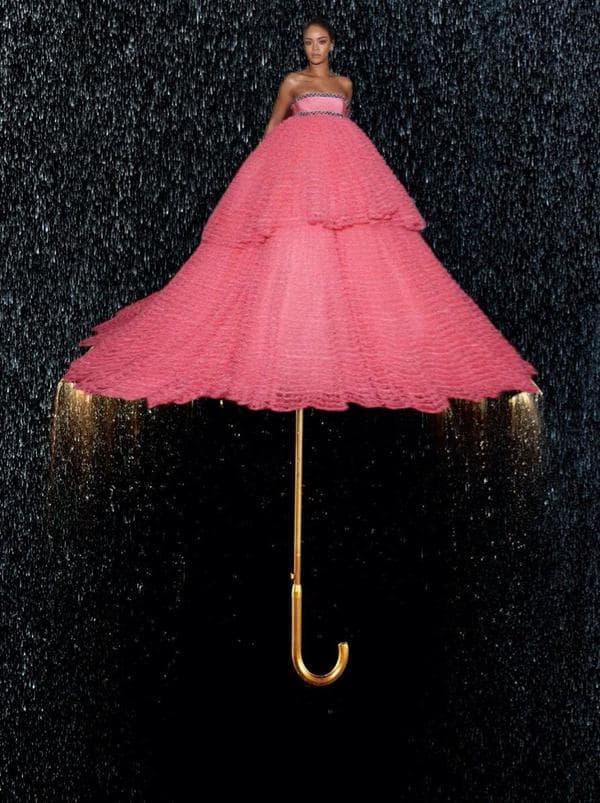 Idealna kao kišobran (foto: twitter)