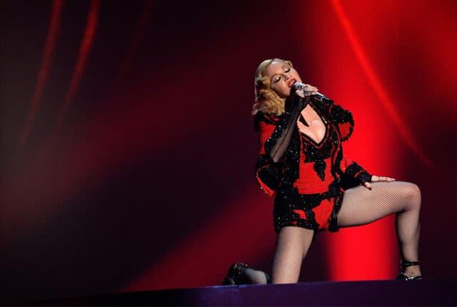 Madonna bez auto-tunea (foto: newnownext)