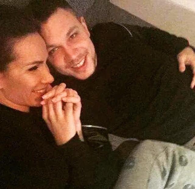Relja putem Facebooka otkrio da su Nikolija i on izgubili bebu!