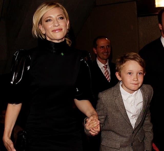 Pre 3 godine sa sinom Romanom (foto: Hello)