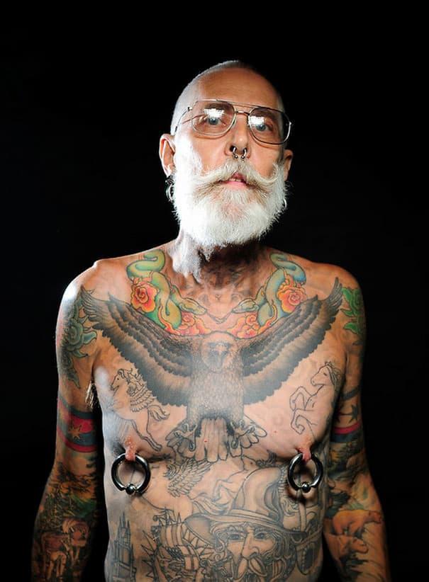 tetovirani-penzioneri-11