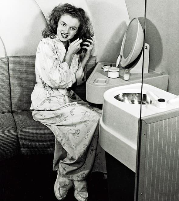 1945 (foto: Larry Kronquist)