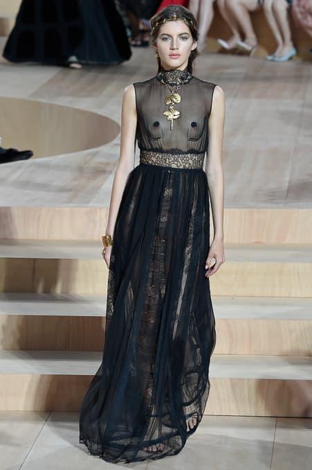Valentino Fall 2015 Couture_23