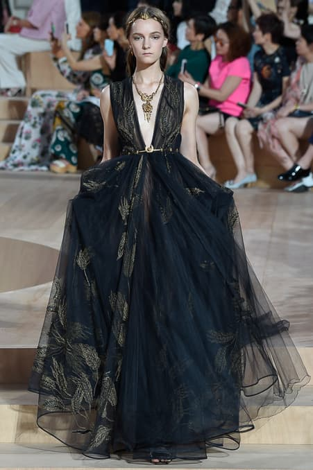 Valentino Fall 2015 Couture_37