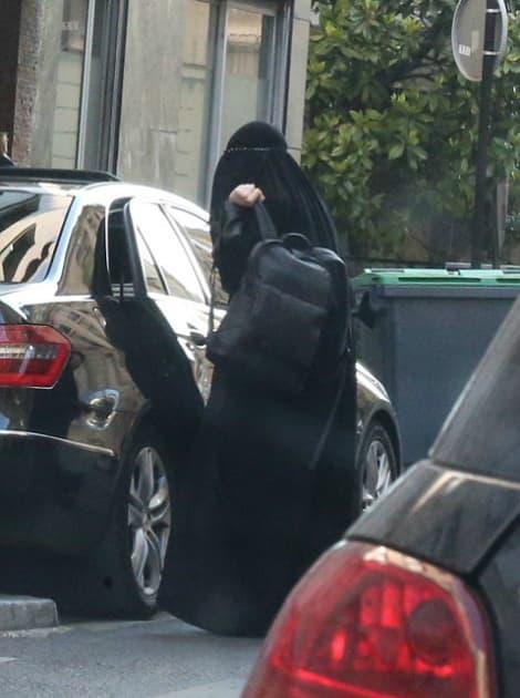 Napali je zbog nošenja tradicionalne muslimanske odeće (foto: Vantagenews.co.uk)
