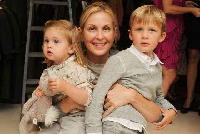 Glumica sa svojom decom (foto: Wenn)