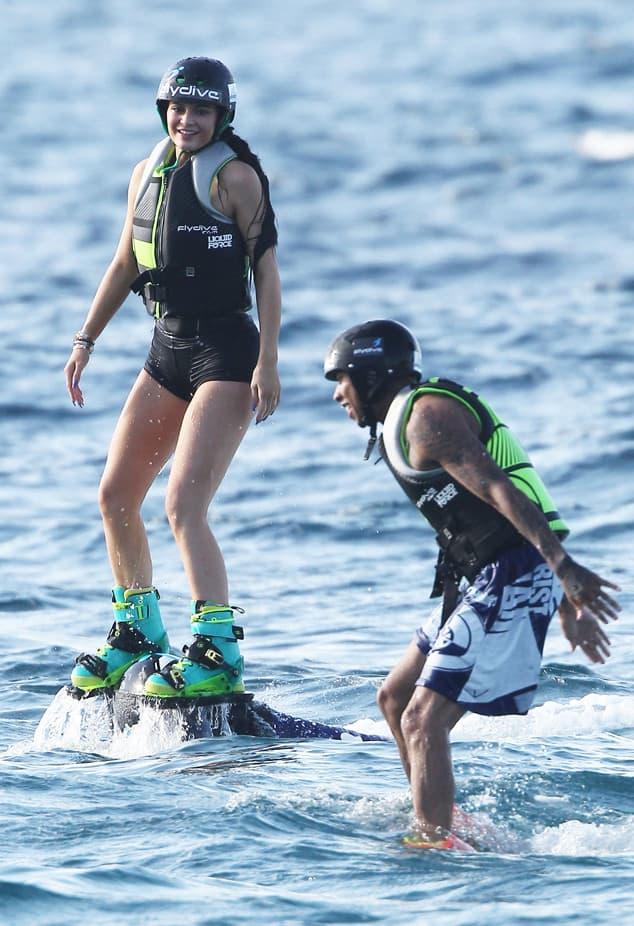 Kylie i Tyga uživaju u flybordingu