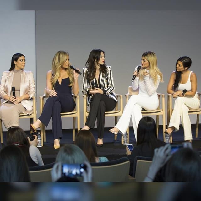 Sestre Kardashian su u ponedaljka najavile da će svaka pokrenuti svoju aplikaciju (foto: Instagram)