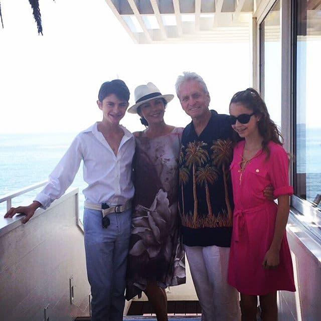 Par ima dvoje dece - 12-godišnju ćerku Carys i 15-godišnje sina Dylana (foto: Instagram)