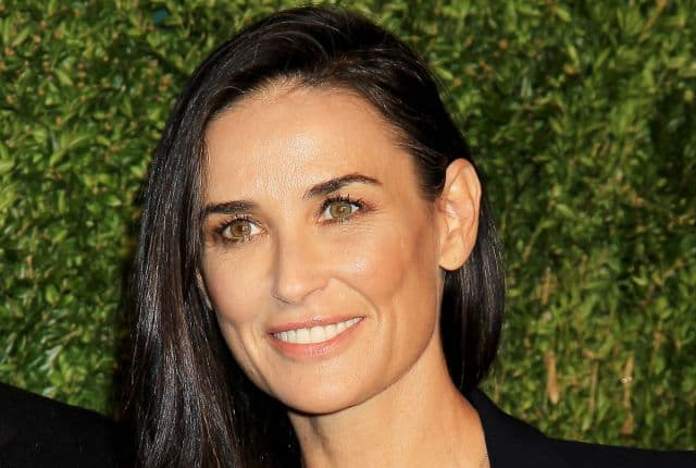 demi-moore-at-12th-annual-cfda-vogue-fashion-fund-awards-in-new-york-11-02-2015_3
