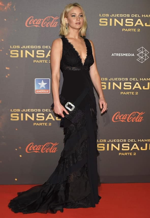 Glumica je izgledala zanosno u crnoj čipkanoj haljini (foto: )