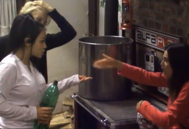 Da li je to Stanija ljubomorna na Tamaru? (foto: Screenshot)
