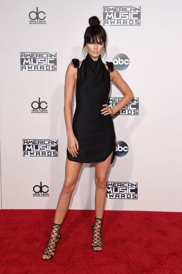 2. kendall-jenner-at-2015-american-music-awards-in-los-angeles-11-22-2015_1