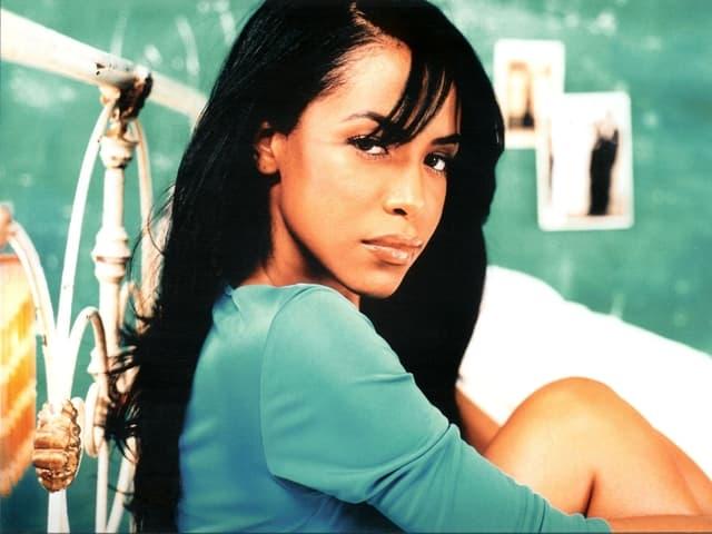 Pevačica je tragično preminula pre 14 godina u avionskoj nesreći (foto: wepluggoodmusic.com)