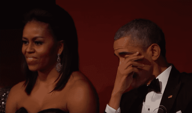 Predsednik Obama nije mogao da sakrije suze (foto: Screenshot)