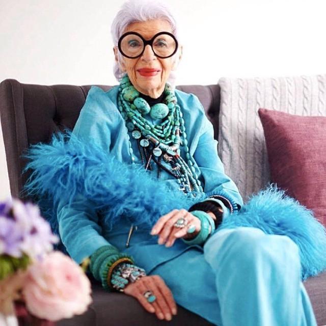 Iris Apfel ima 93 godine i modna je ikona Njujorka (foto: Instagram)