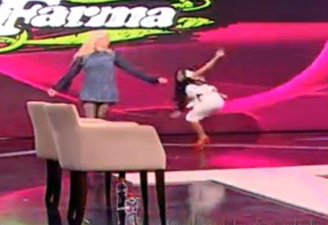 Jasmina je osmislila čudnu koreografiju, zbog koje je Tamara zamalo patosirala (foto: screenshot)