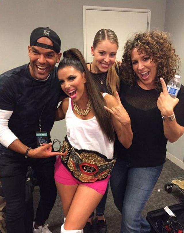 Eva sa pobedničkim trofejom (foto: Instagram)