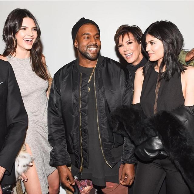 Sestre Kendall i Kylie su sinoć predstavile svoju novu modnu kolekciju, a podršku im je pružio i zet Kanye West (foto: Instagram)