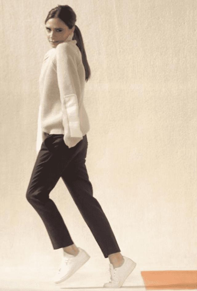 Mora da nosi ravne cipele zbog zdravlja! (foto: Facebook/Victoria Beckham)