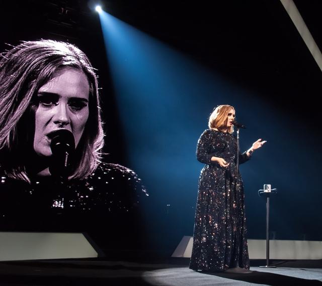 Adele obožava da publici priredi brojna iznenađenja na svojim nastupima (foto: Wenn)