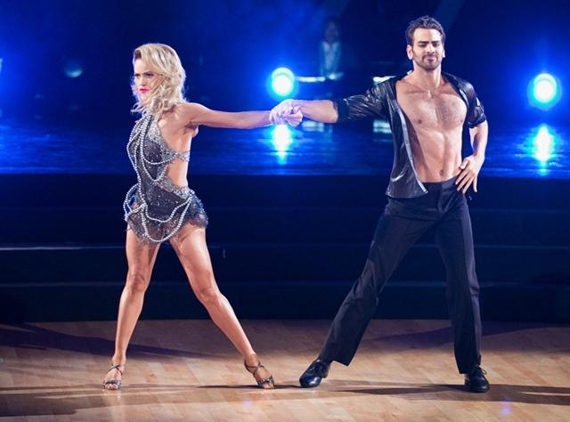 Nije čuo muziku, ali je plesom doneo ritam na binu (foto: ABC)