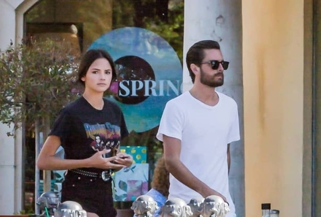 Scott sa novom devojkom koja je slika i prlika Kendall Jenner (foto: AKM-GSI)