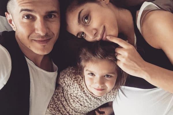 Jovana i Sale već imaju jednu ćerku - Helenu (foto: Facebook)
