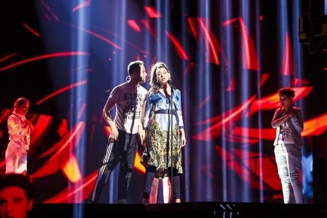 Svetlosni efekti i koreografija na sceni (foto: EBU)