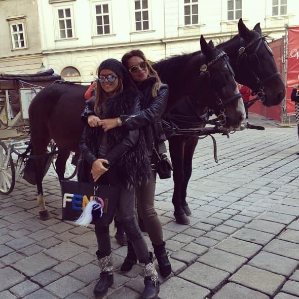 Sonja sa ćerkom sofijom (foto: Instagram)