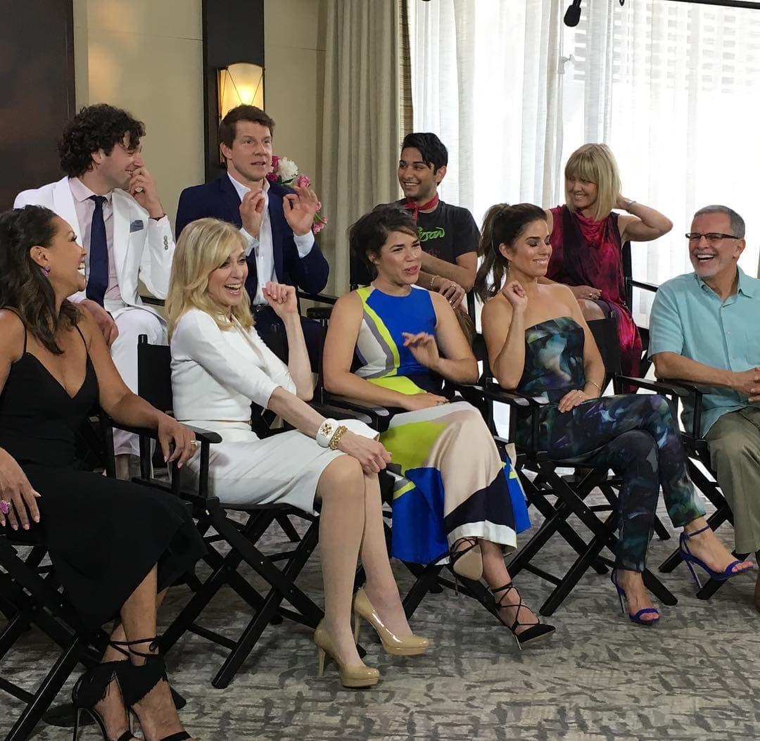 Glumci u razgovoru sa novinarima (foto: Instagram)