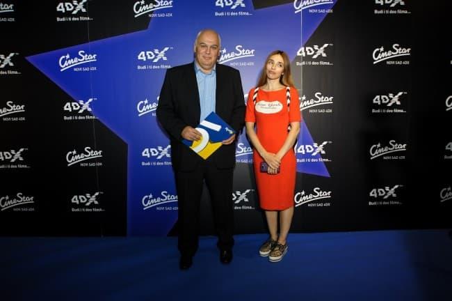 Jovana Balasevic i Zoran Savic, direktor CineStara za Srbiju (foto: PR)