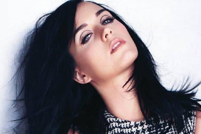 Sta-je-Katy-Perry-odgovorila-fanu-koju-je-rekao-da-joj-je-karijera-gotova