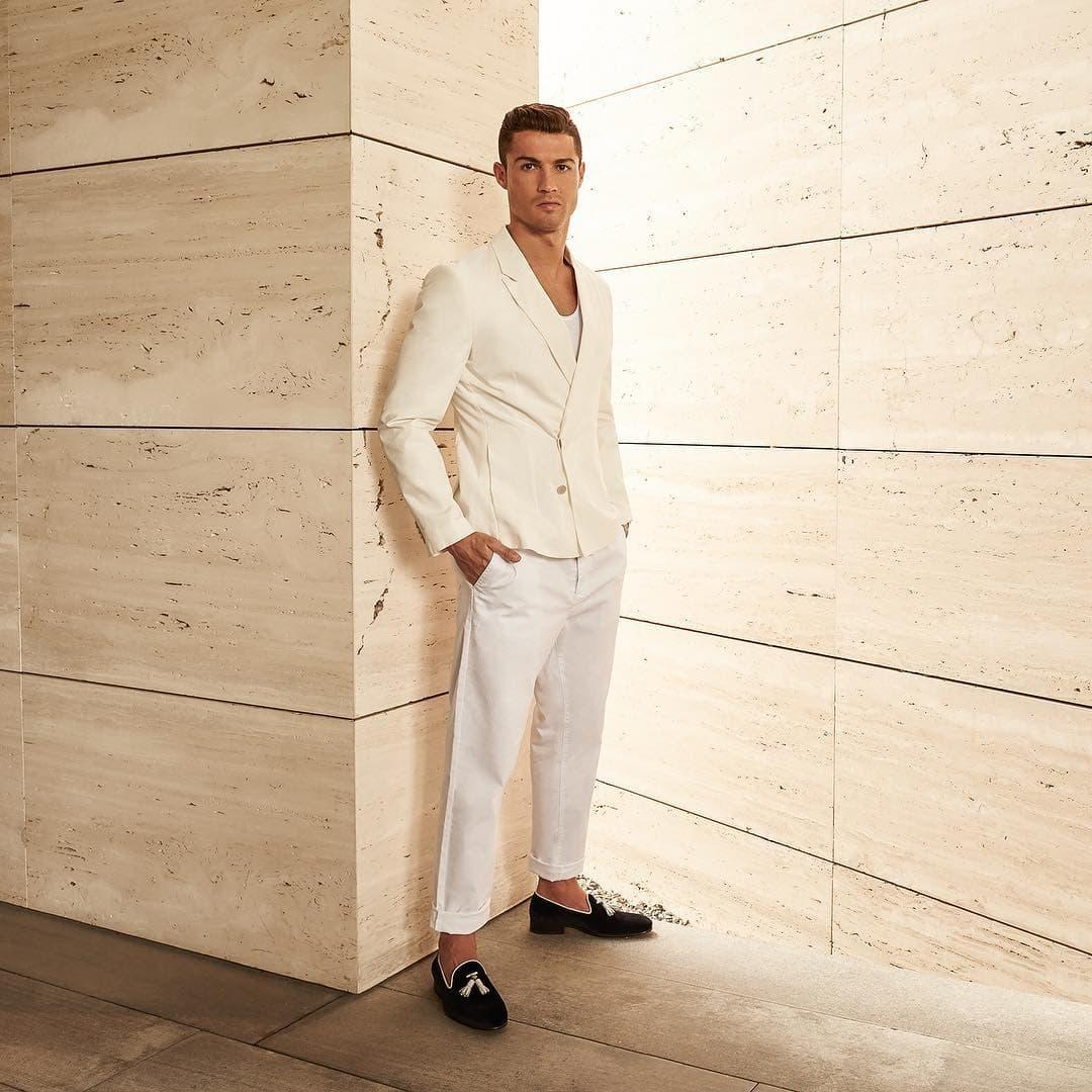Često se kritikuje njegov način oblačenja (foto: Instagram.com/cristiano)